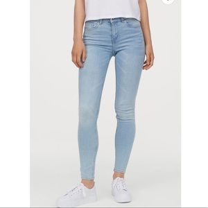 H&M light wash skinny jeggings jeans size 26